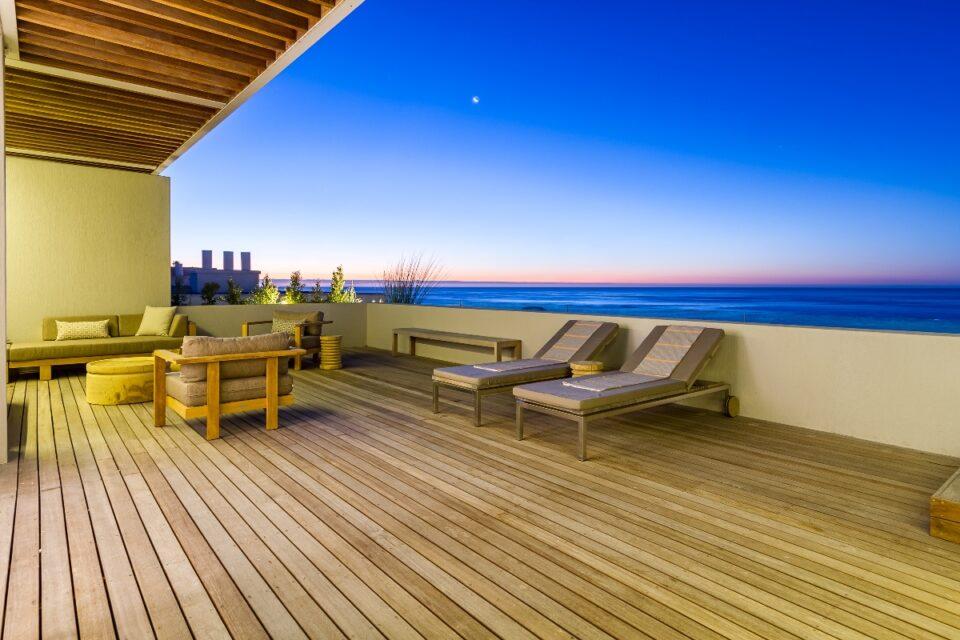 Topaz Ocean View Penthouse - Balcony