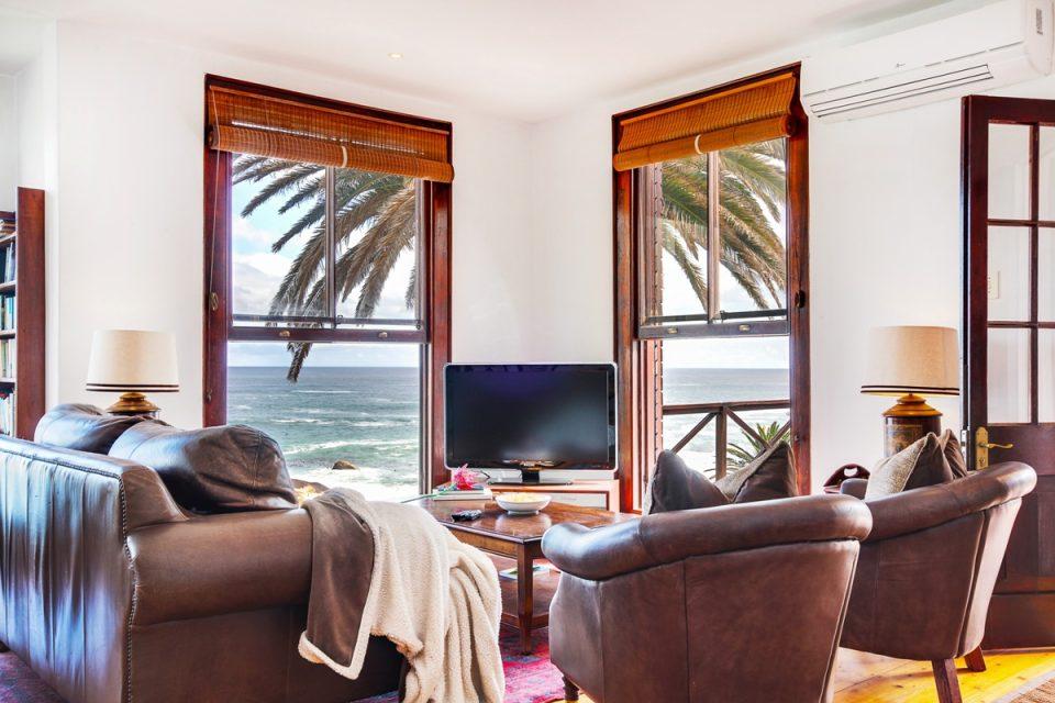 Camps Bay Terrace Lodge - Lounge area