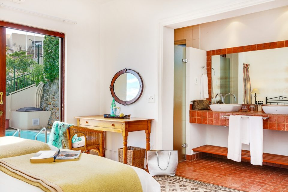 Camps Bay Terrace Lodge - En-suite to third bedroom