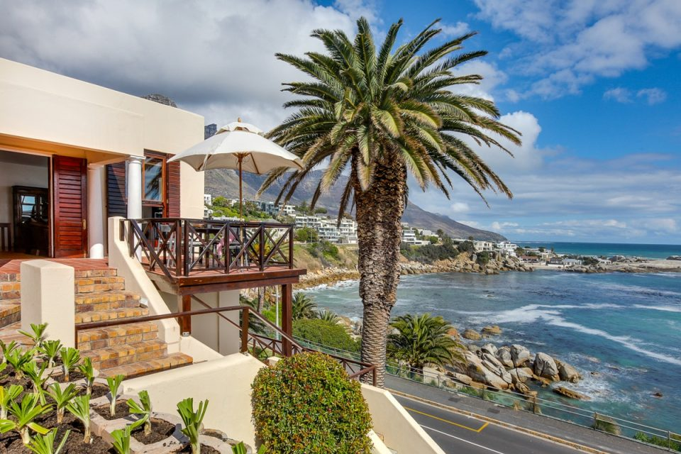 Camps Bay Terrace Lodge - Ocean views