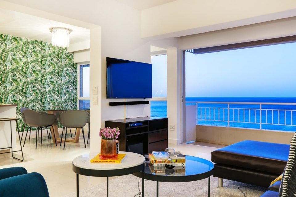 Atlantic Spray - Tv room with views