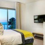 Villa Grenache - Bedroom with view
