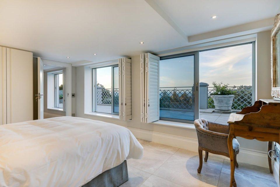 Castle Rock - Flatlet bedroom view