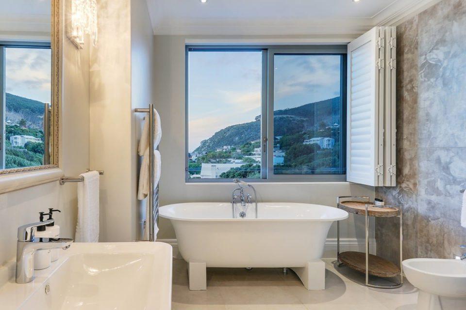Castle Rock - Third bedroom bathroom