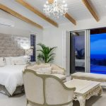Castle Rock - Masted bedroom