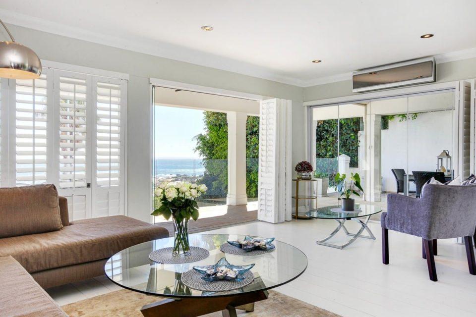 Medburn Alcove - Living area