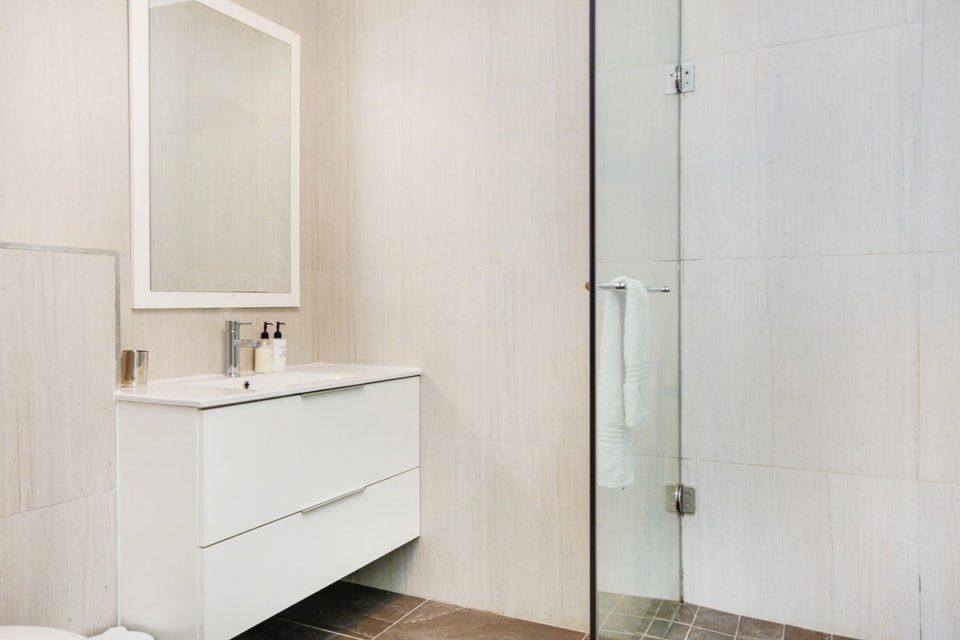 Medburn Alcove - Bathroom