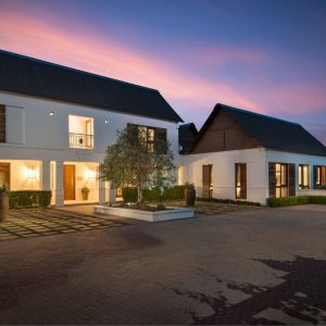 Luxury Accommodation in Franschhoek - Browse Holiday Rentals