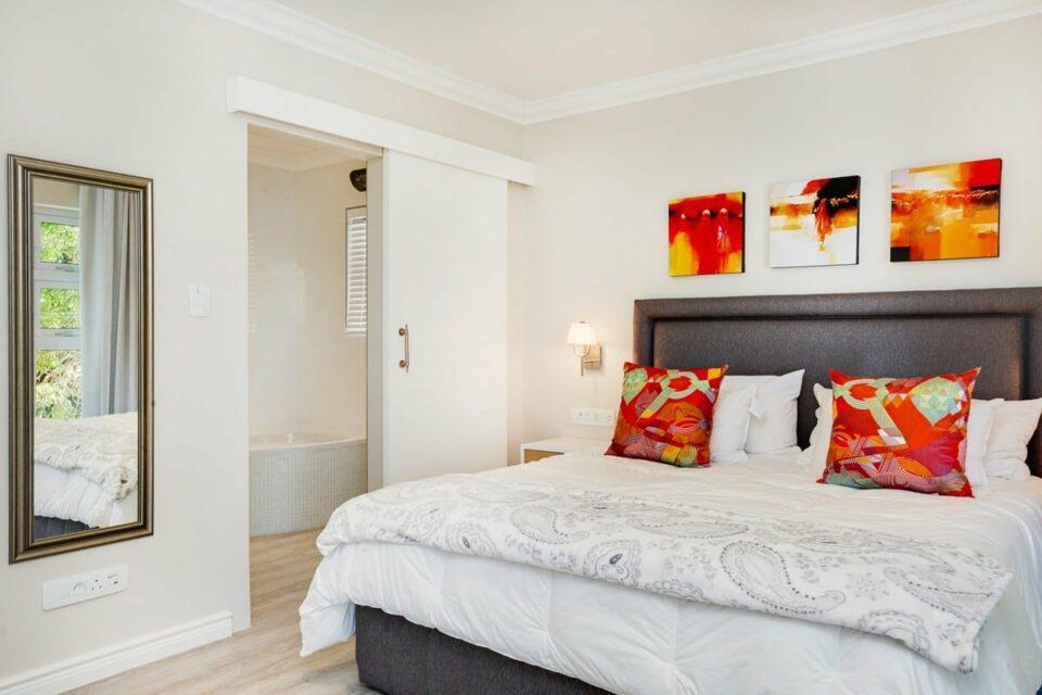 A SilverTide - Master bedroom