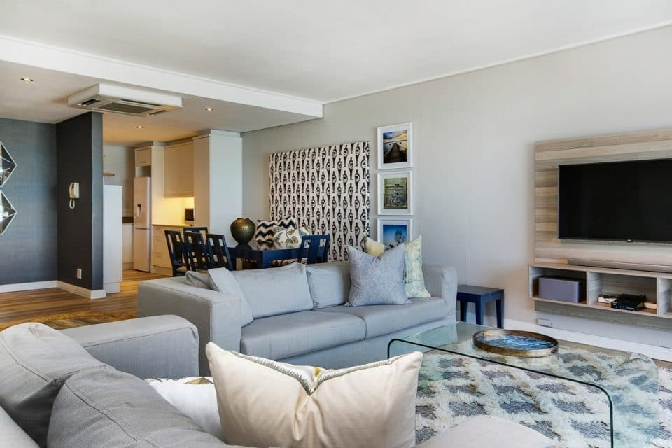 Dunmore Breeze - Living area with TV