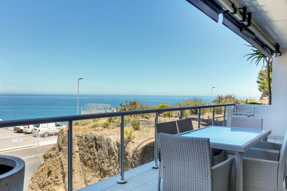 Dunmore Place - Balcony with view