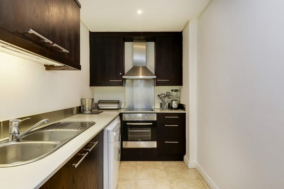 Dunmore Place - Kitchen with oven