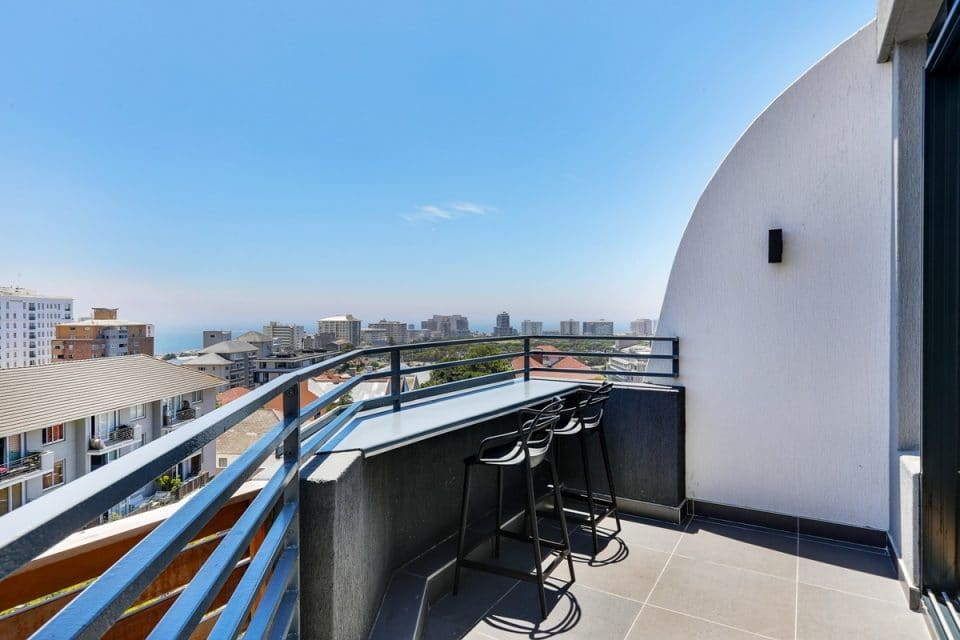 Penthouse on S - Balcony