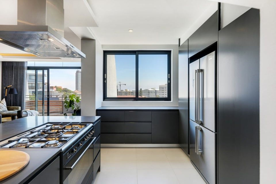 Penthouse on S - Kitchen