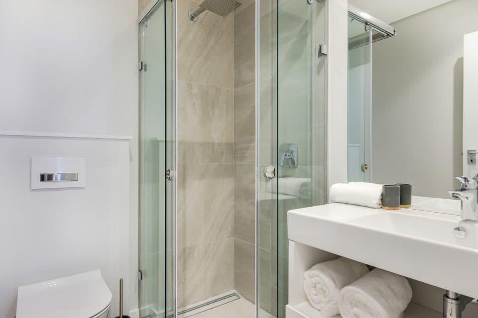 Penthouse on S - Second bathroom