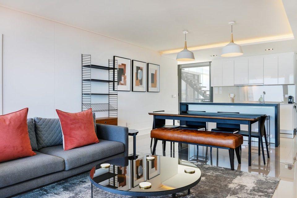 Solis 402 - Open-plan living area