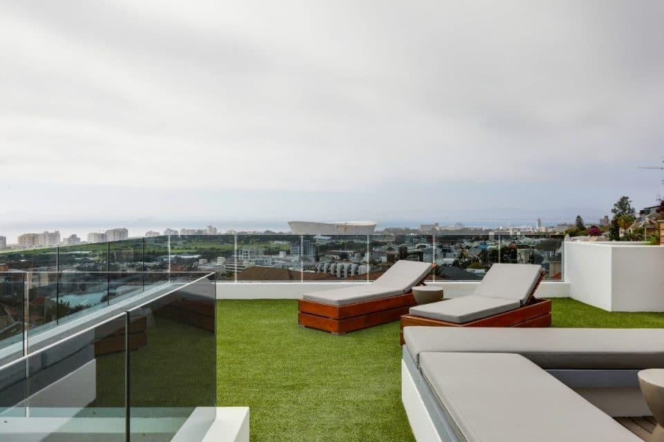 penthouse-on-b-129087480