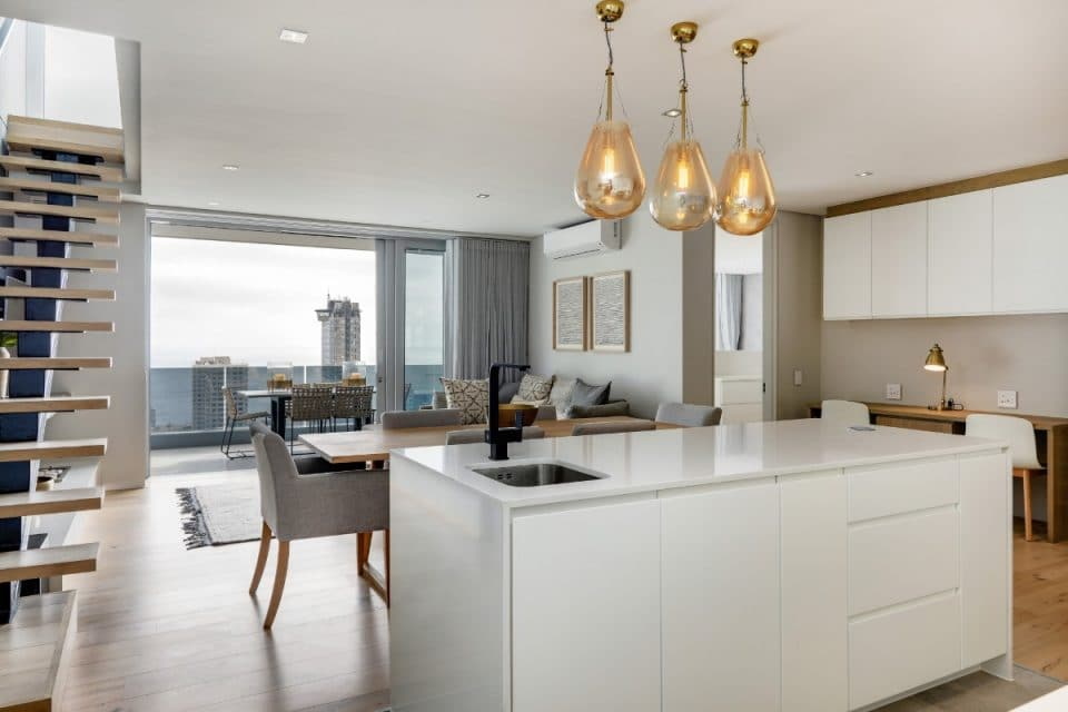 penthouse-on-b-129087501