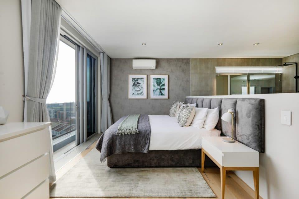 penthouse-on-b-129087513