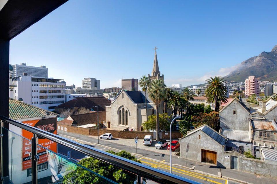 Danbury on Loop  - Balcony views