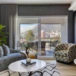 Danbury on Loop - Living room with views