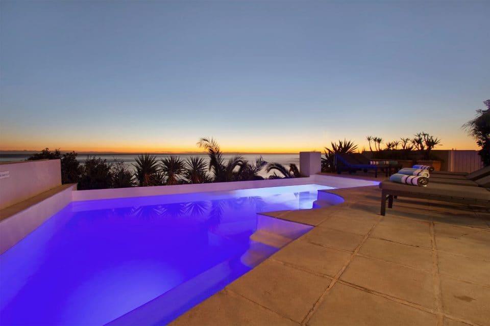 beach-villa-1-151661129
