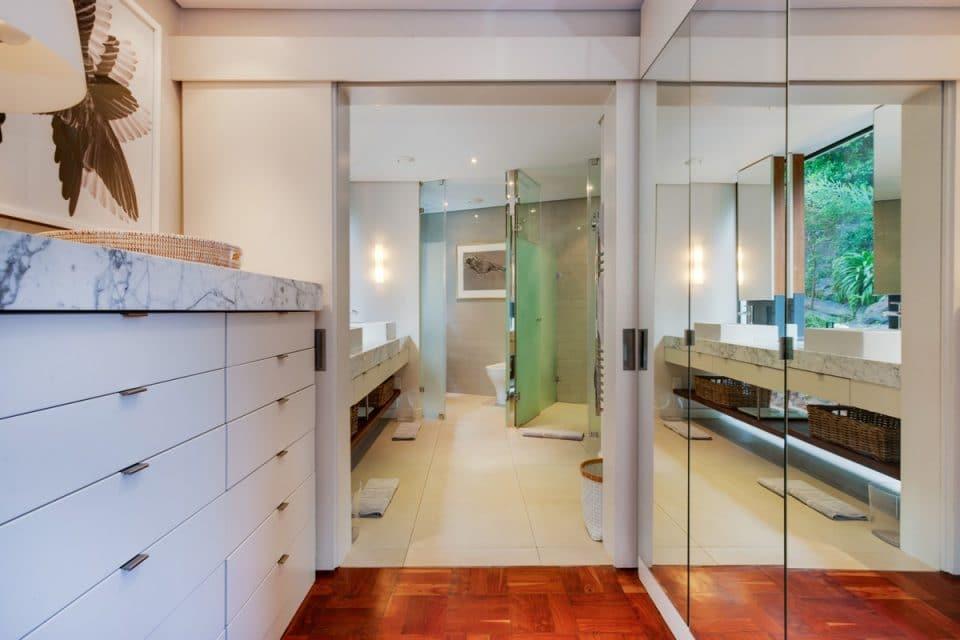 Eames Villa - Dressing room