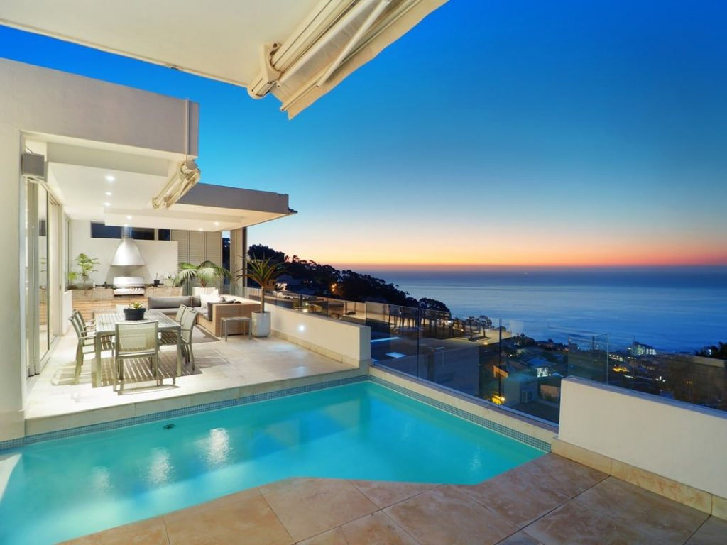 Top Views - Swimming pool & views