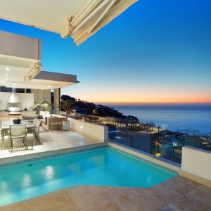 Top Views - Swimming pool & views