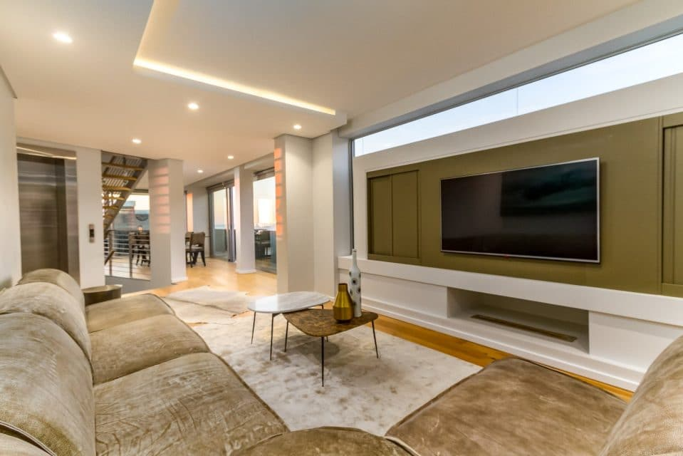 66-on-k-luxurious-penthouse-apartment-158547892