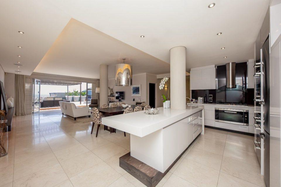 Echelon - Open plan living area