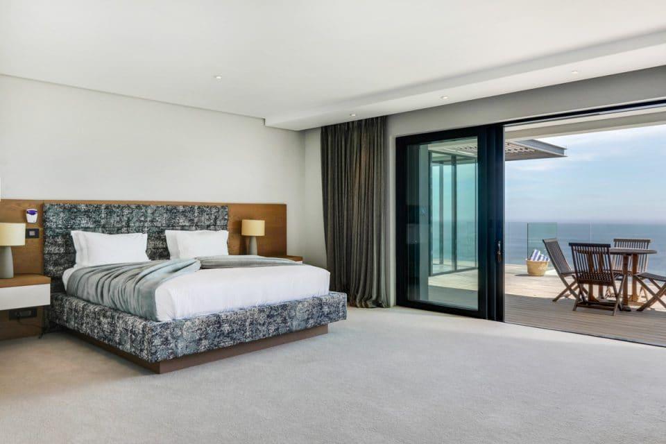 Halo Villa - Master Bedroom
