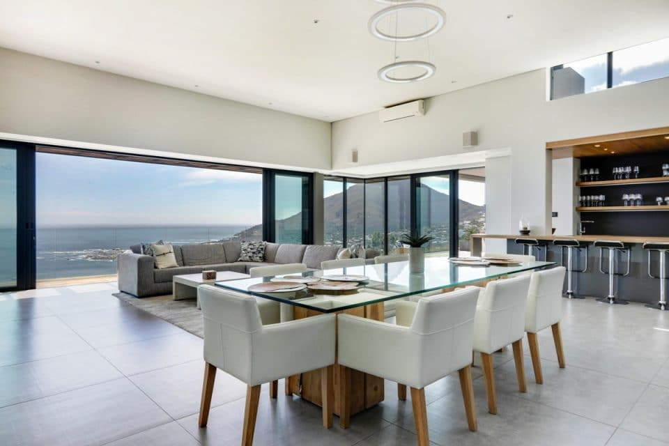 Halo Villa - Open plan living