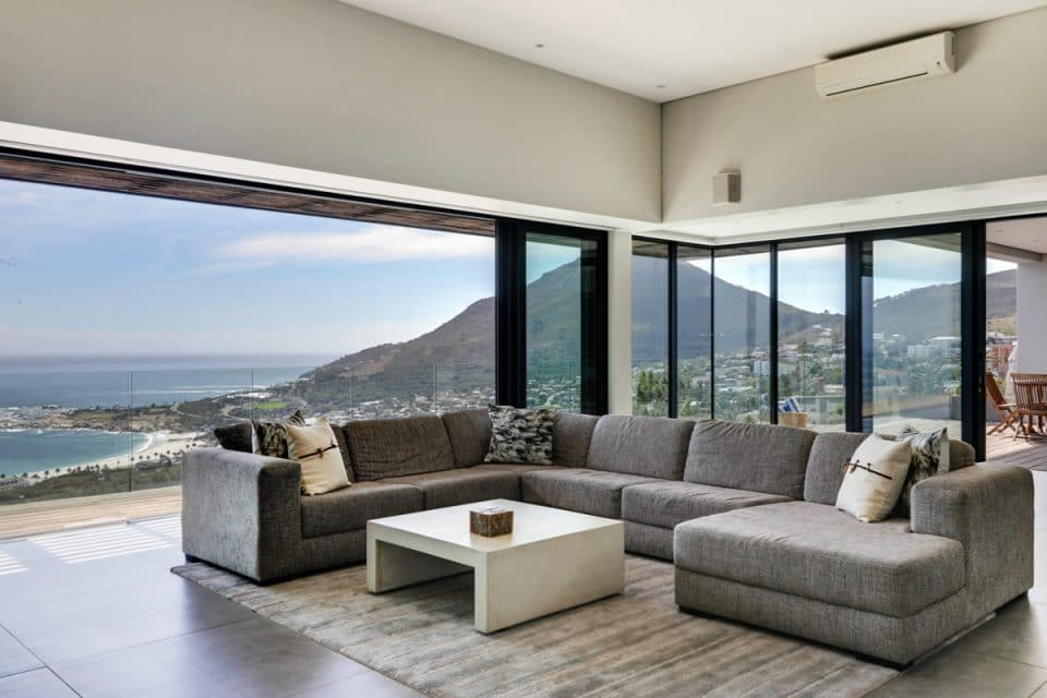 Halo Villa - Living room