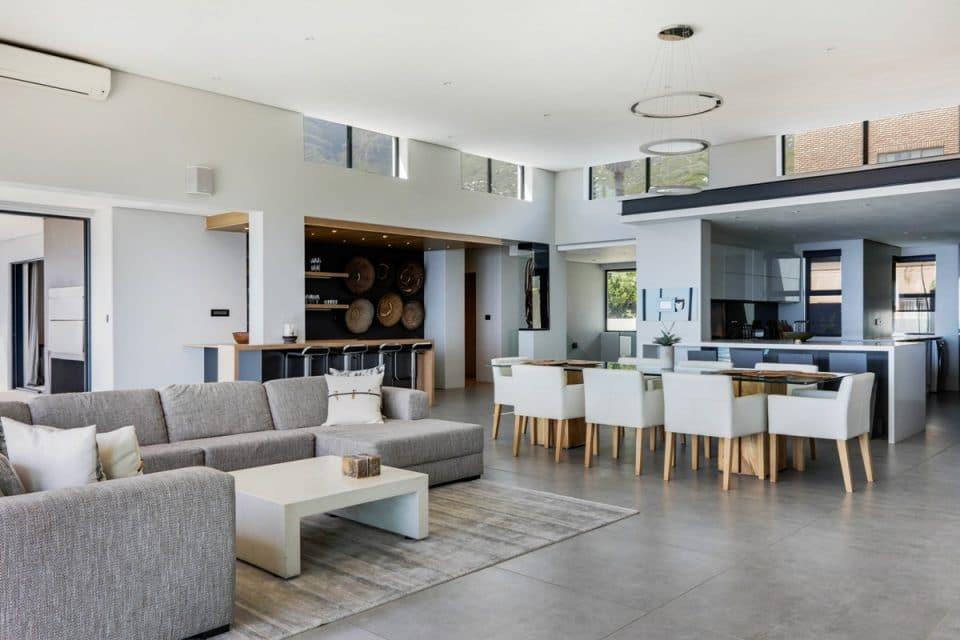 Halo Villa - Open plan living space