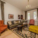 Ave Des Huguenots - Living room