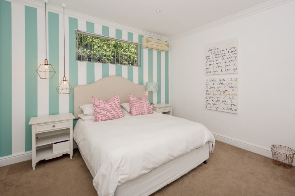 Ave Des Huguenots - Second bedroom