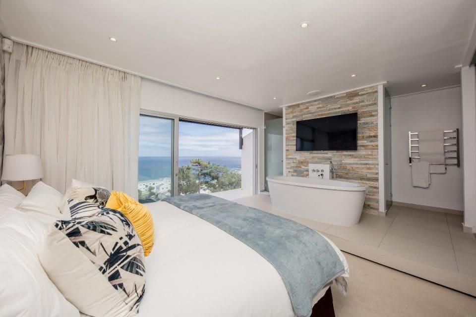 Malibu - Master bedroom