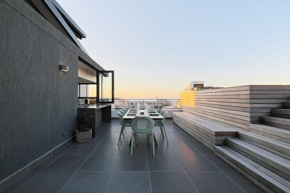 Quendon Penthouse - Deck