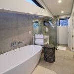 Quendon Penthouse - En-suite to master