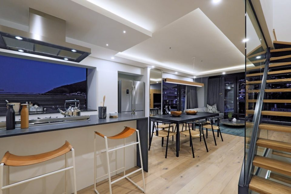 Quendon Penthouse - Kitchen seating