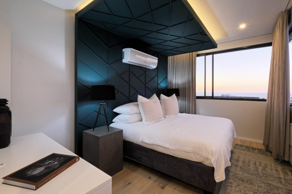 Quendon Penthouse - Master bedroom
