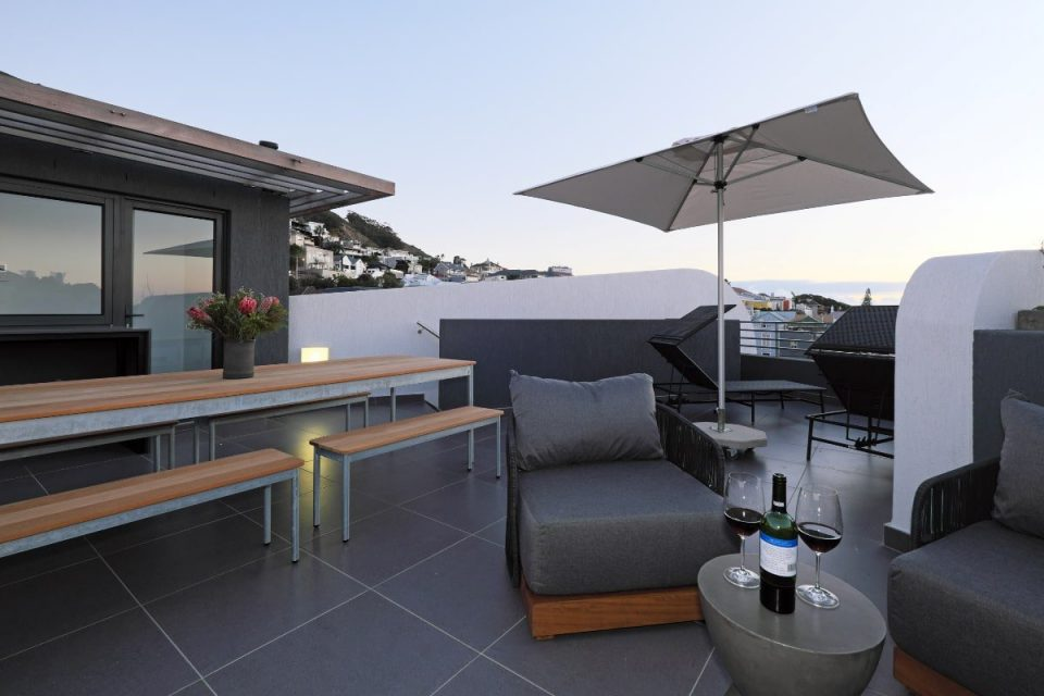 Scholtz Penthouse -Seating with views