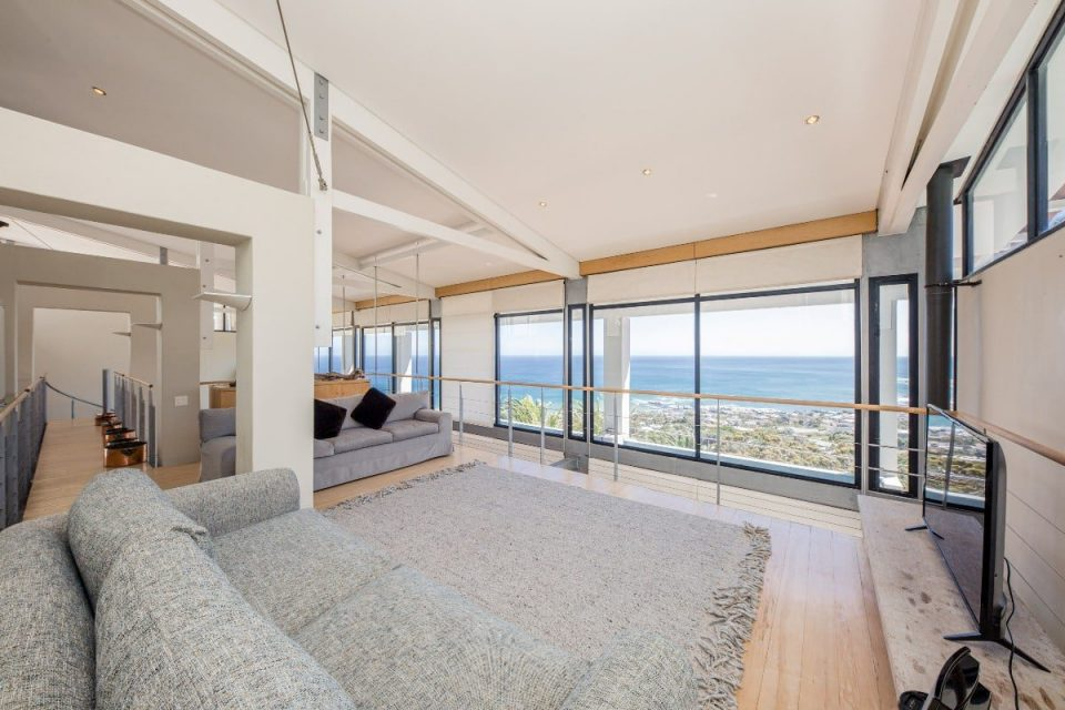 Seventy Eight - TV loft