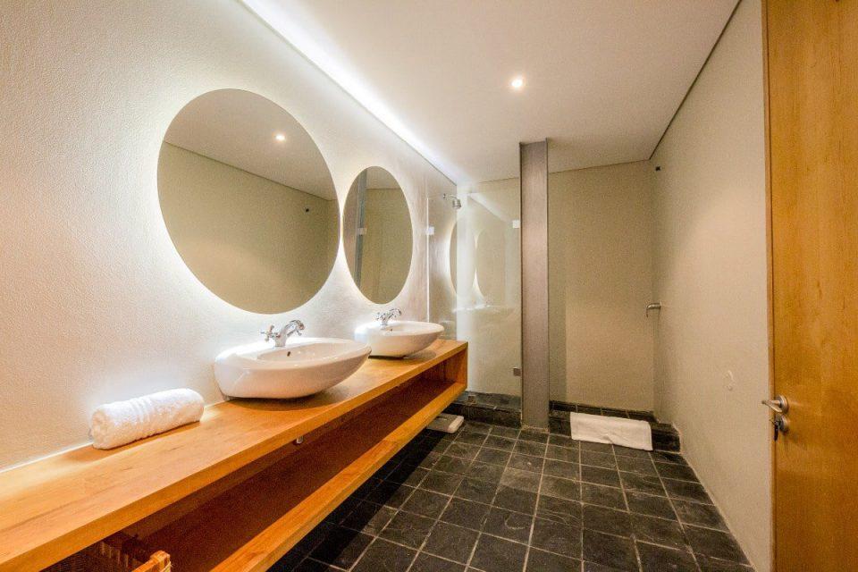 Seventy Eight - En-suite bathroom
