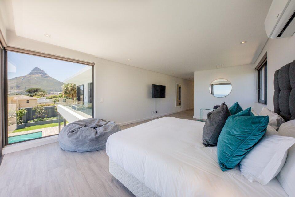 8 Fiskaal - Main bedroom