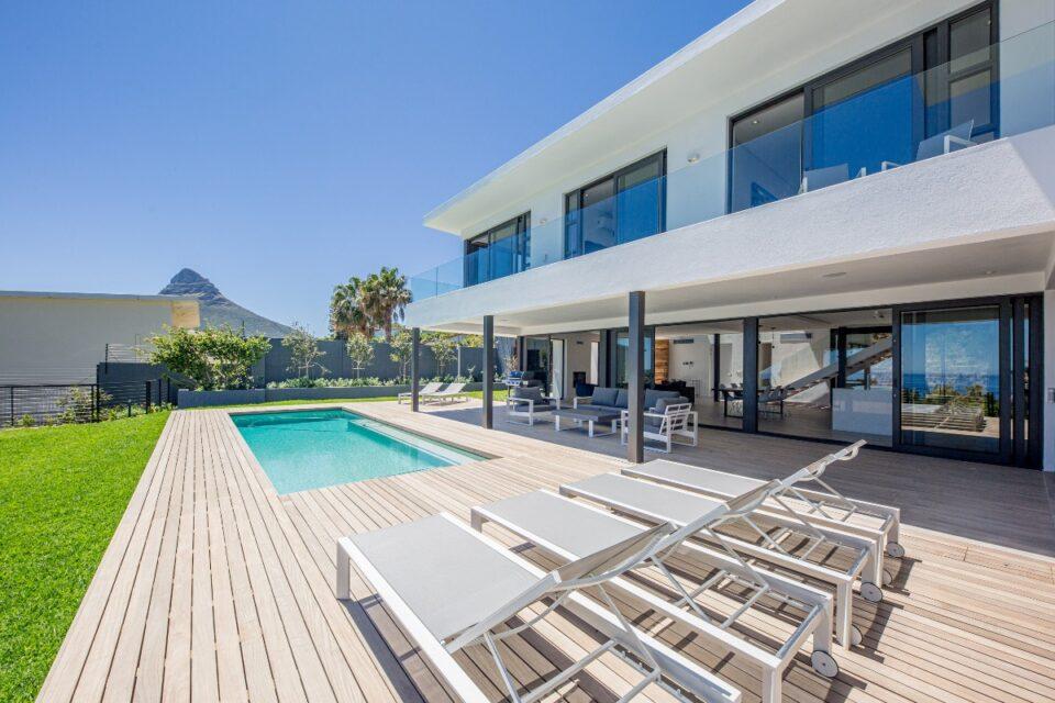 8 Fiskaal - Pool deck