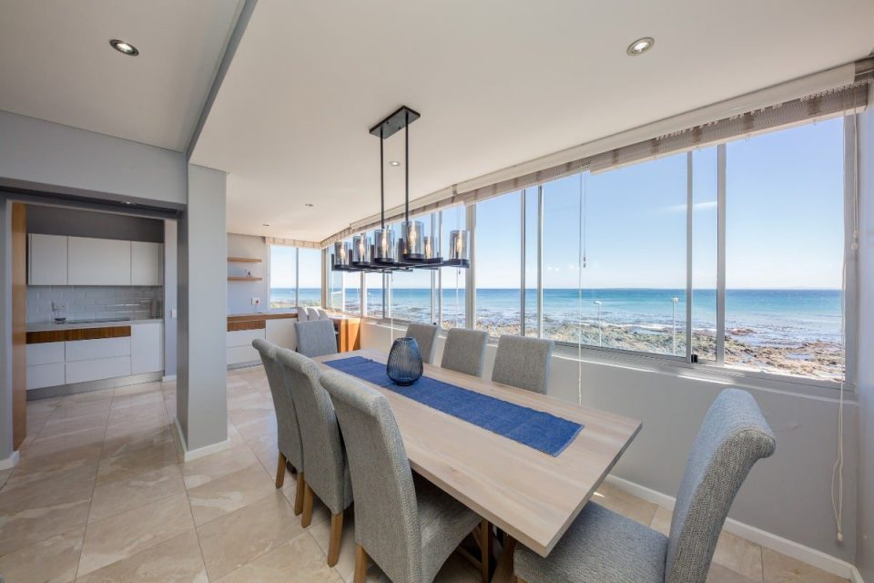 Atlantic Views - Dining room