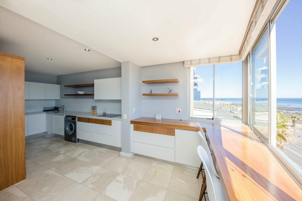 Atlantic Views - Kitchen