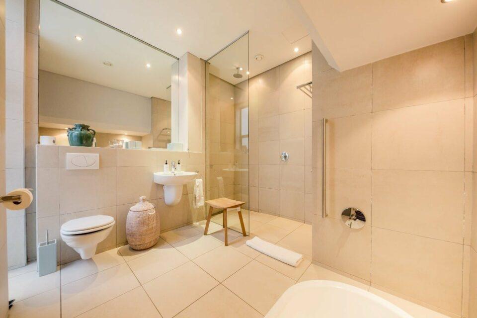 Loader Apartment - En-suite to master